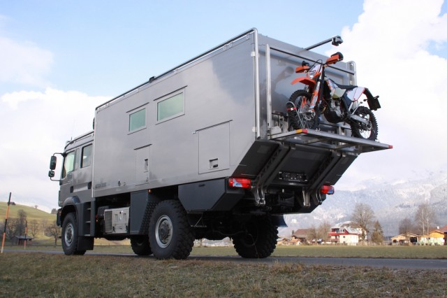 Action-Mobile-RV2