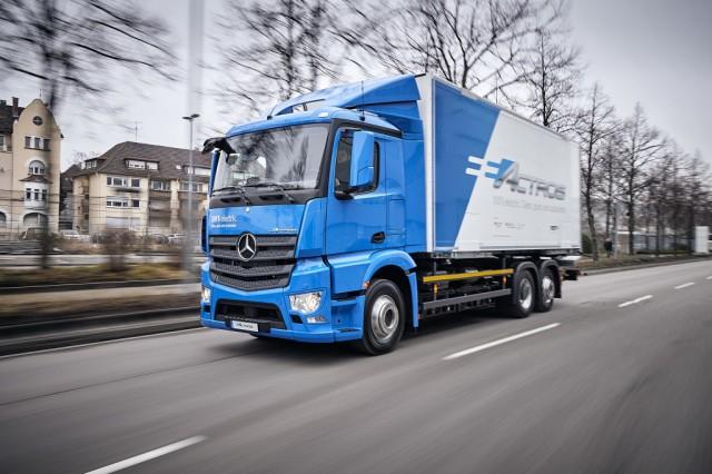 Vollelektrische Mercedes-Benz Lkw für den schweren Verteilerverkehr: Nachhaltig, vollelektrisch und leise: Mercedes-Benz eActros geht 2018 in den Kundeneinsatz