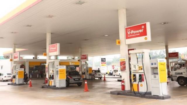 pumps-at-a-shell-station