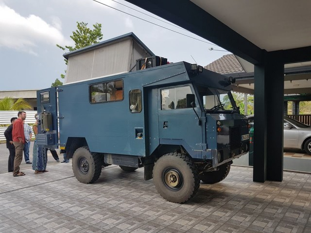 Land Rovers into campers35356012_1976783832366428_890633495427153920_n
