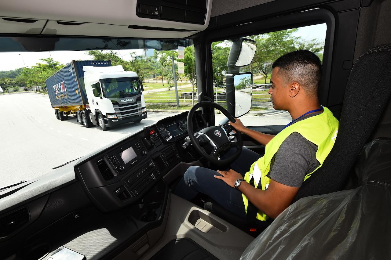 10. Idris Talib of SGCarMart drove Scania G410A6X2 New Truck Generation at the Test and Drive 2019 event