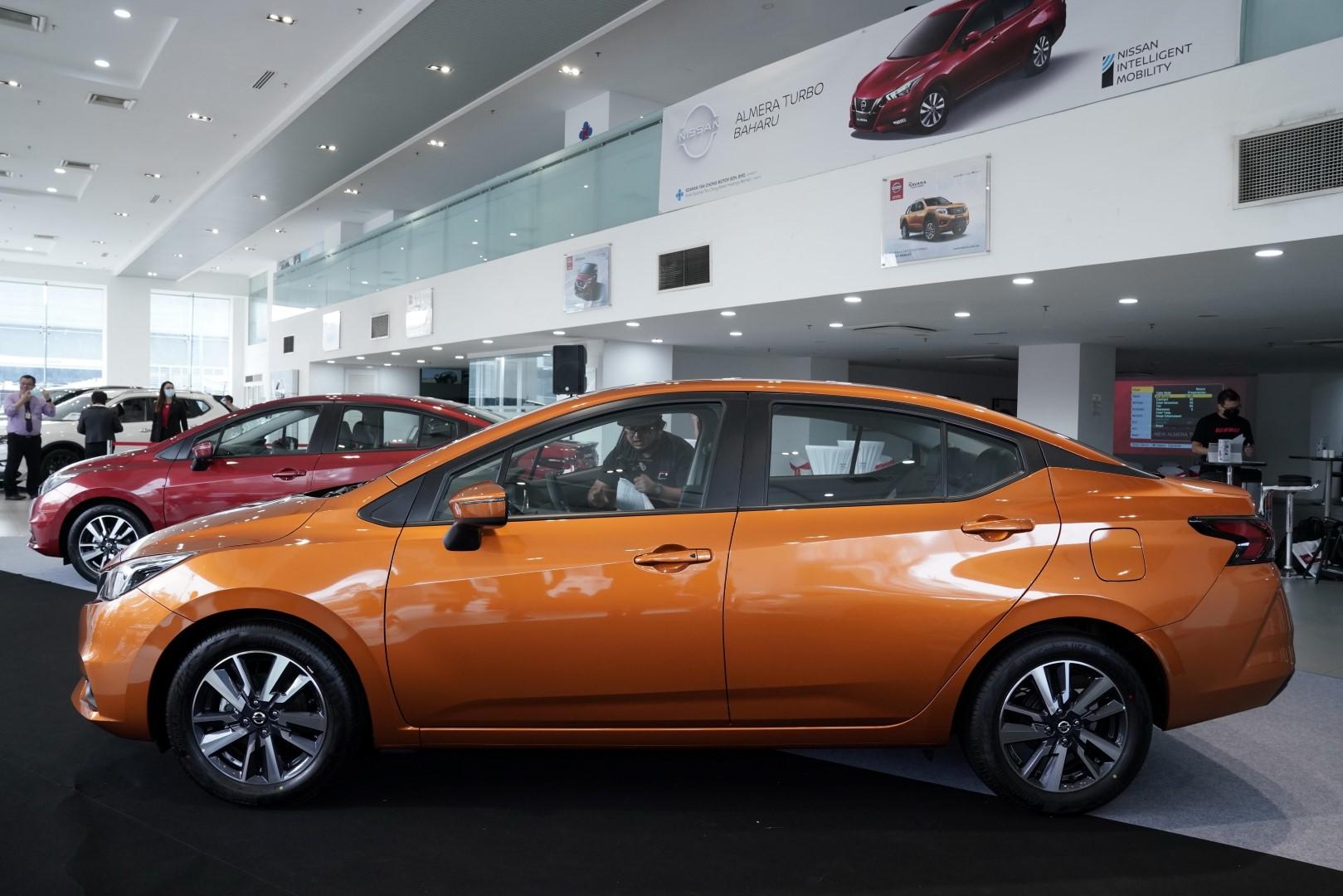 2020 Nissan Almera Side