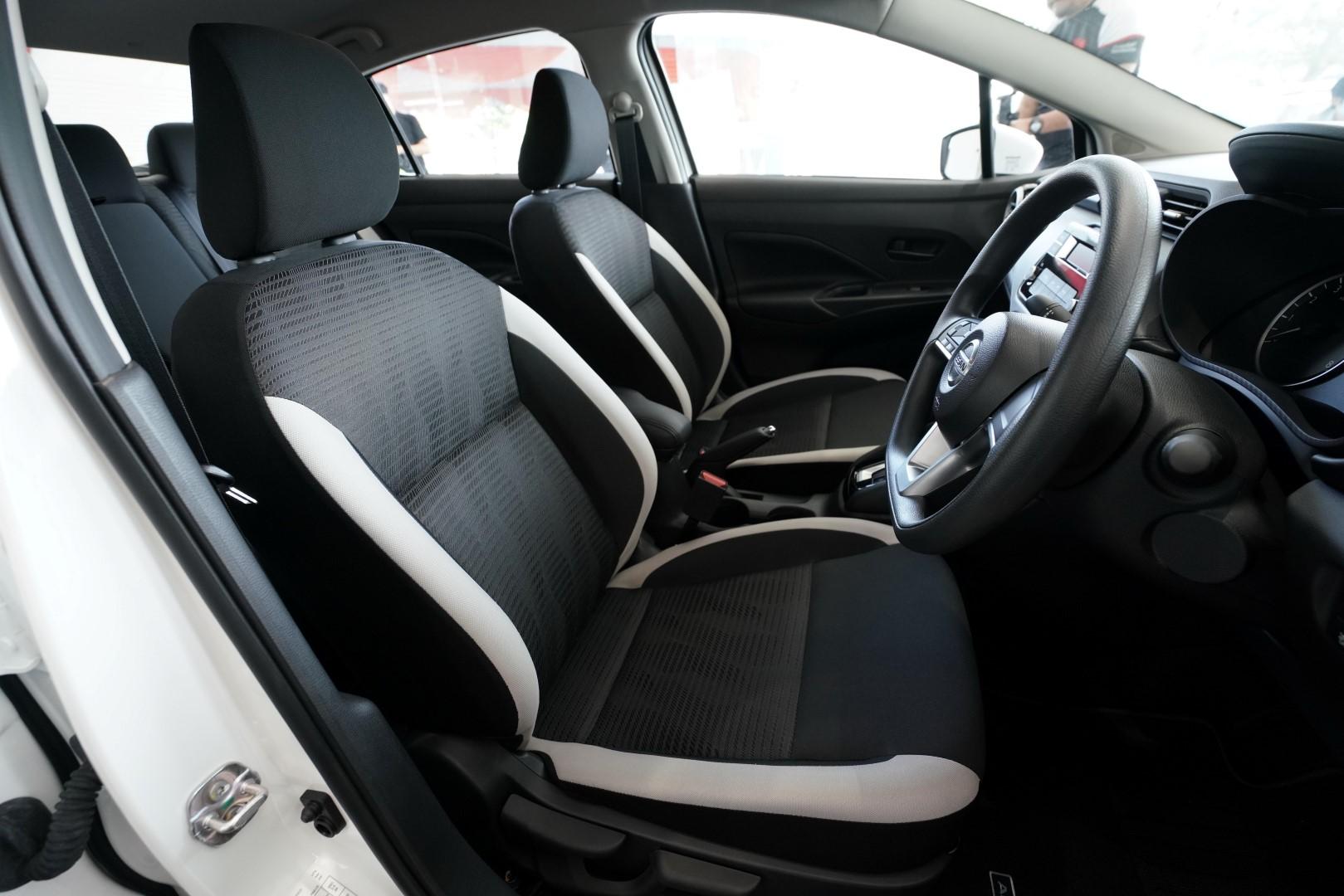 2020 Nissan Almera Seats