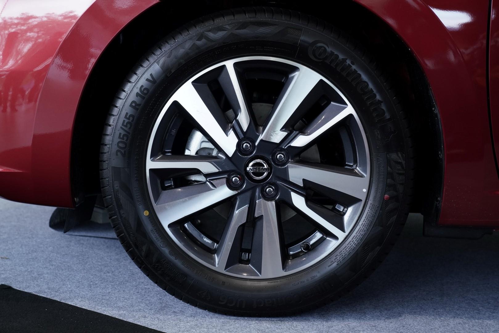 2020 Nissan Almera Rims