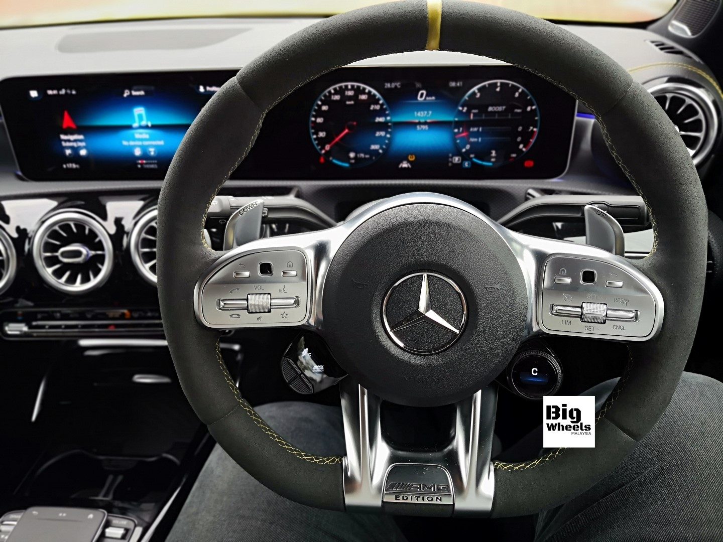 mercedes-amg a45s steering