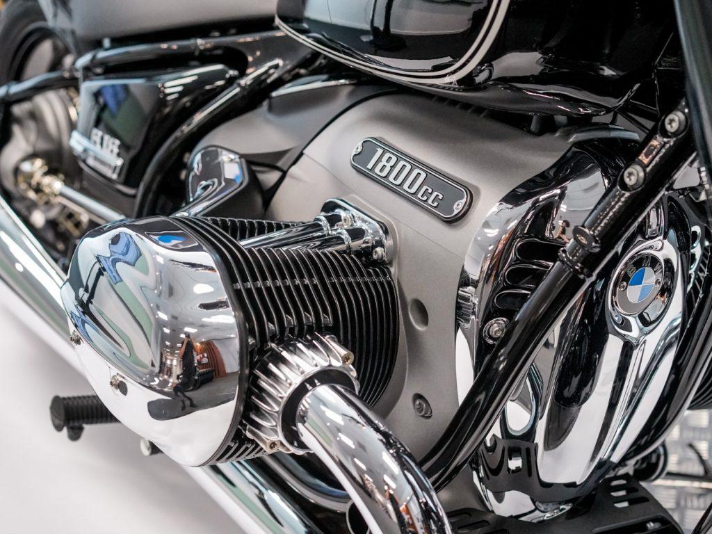 bmw r18 engine