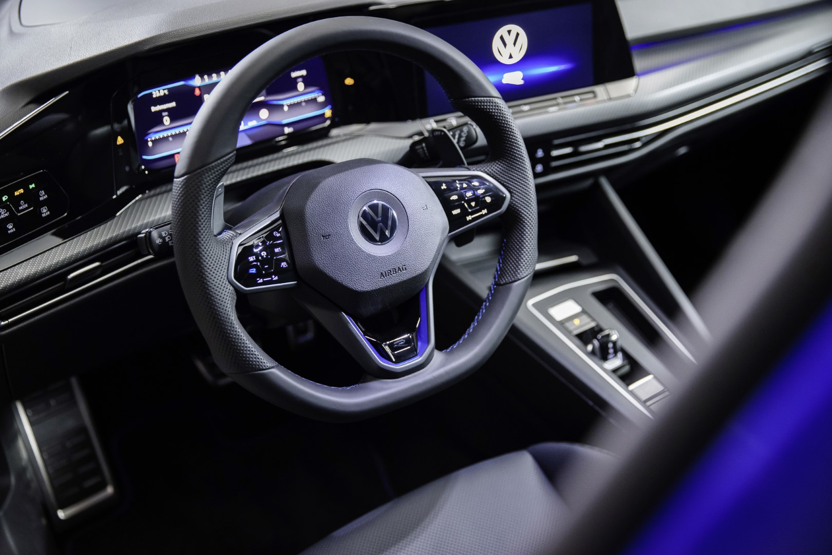 new volkswagen golf r steering