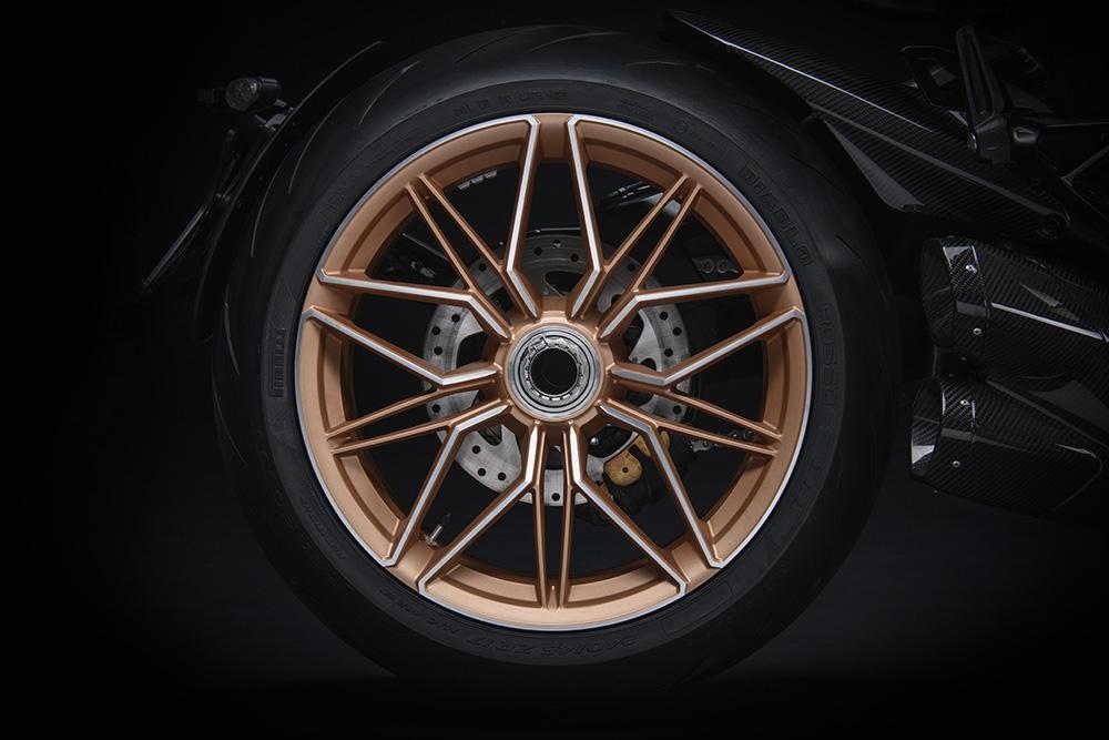 Ducati Diavel 1260 Lamborghini rims