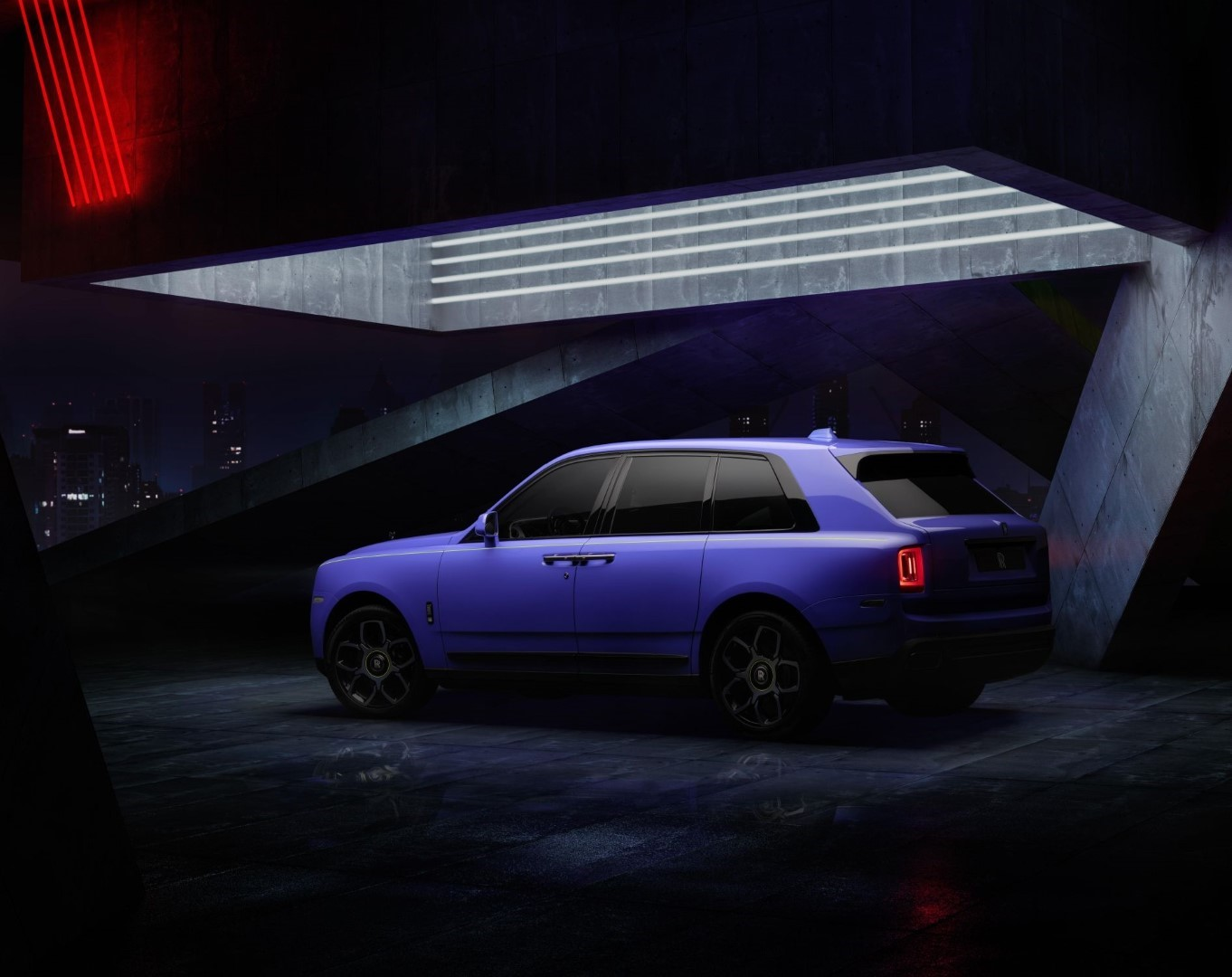 Rolls-Royce Cullinan Black Badge Neon Nights