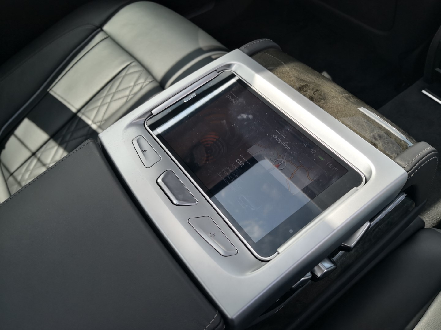 bmw 740le rear seat entertainment system