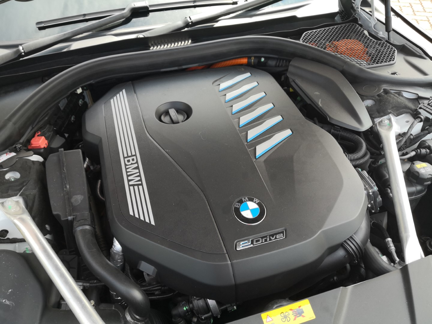 bmw 740le engine