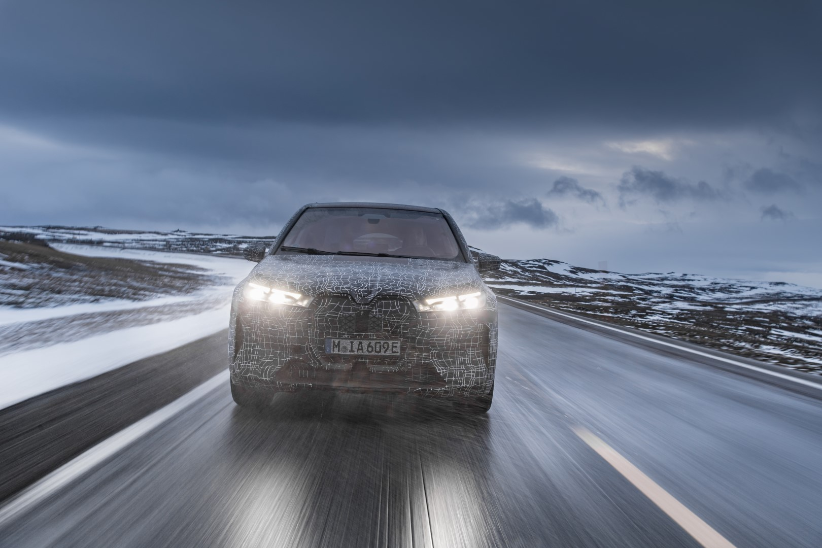 bmw ix winter test