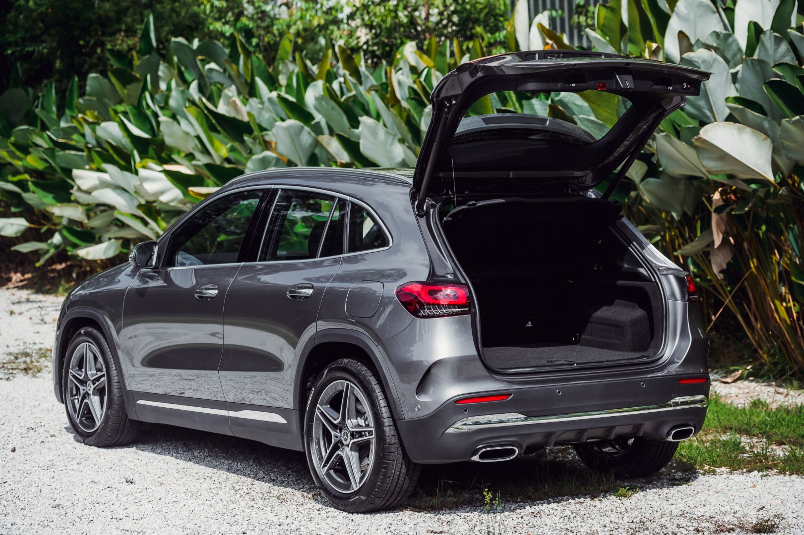 Mercedes-Benz GLA 250 boot