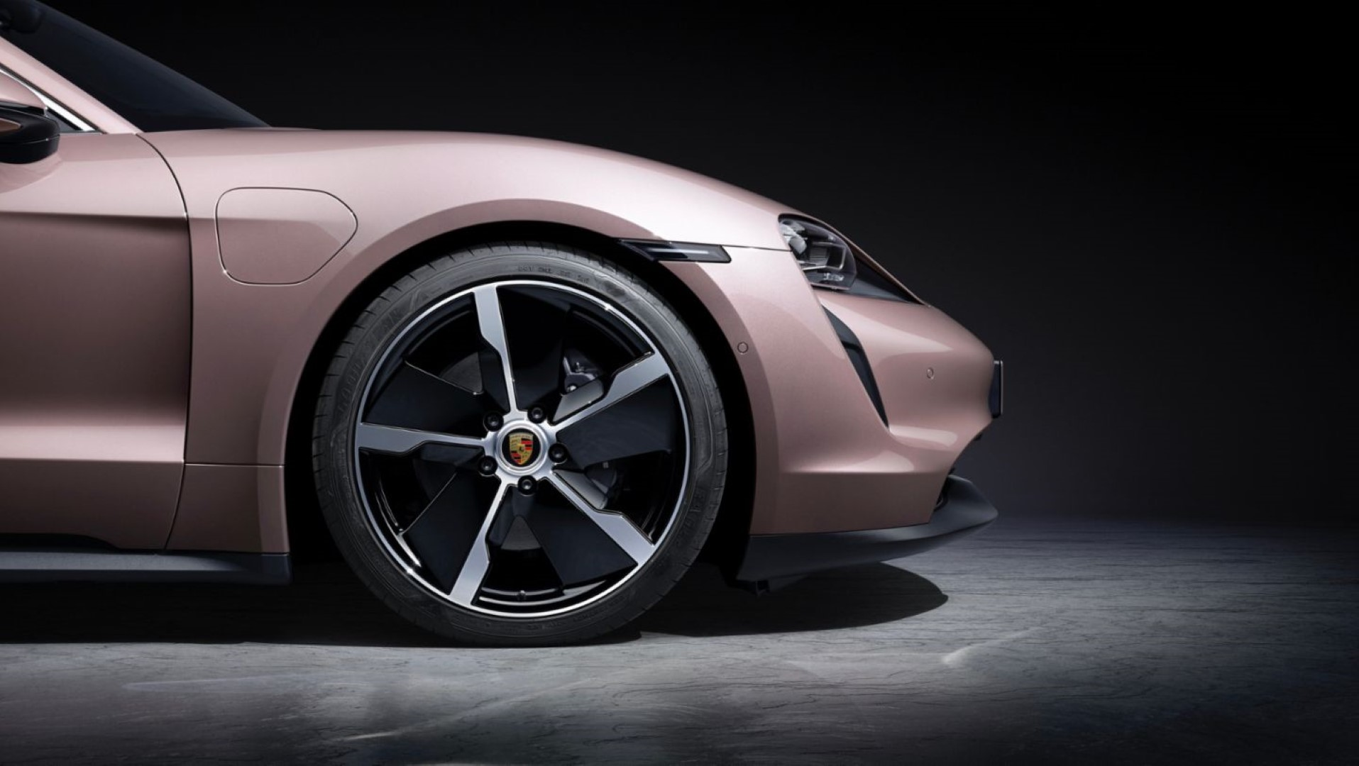2021 Porsche Taycan rims