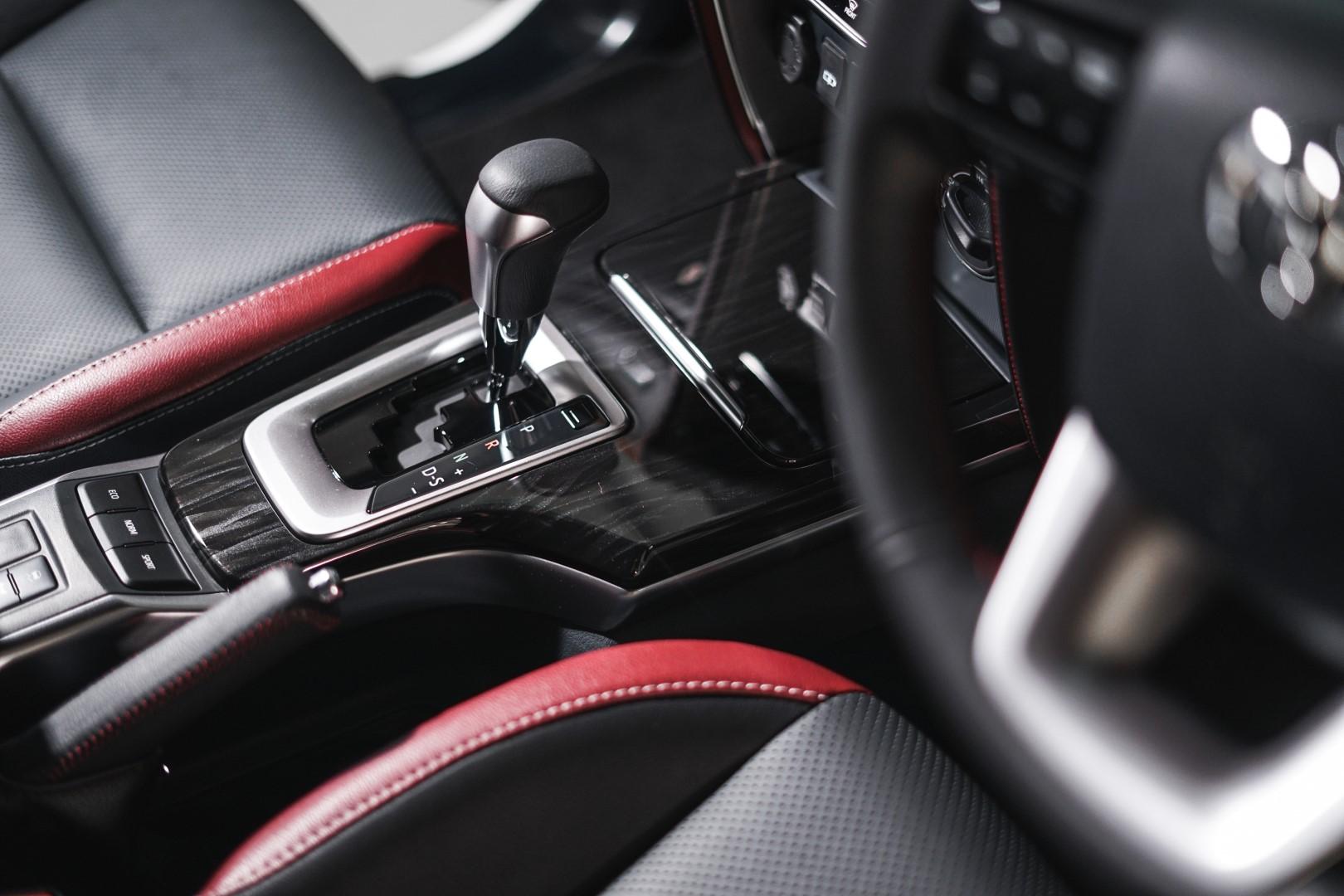 2021 toyota fortuner interior trim