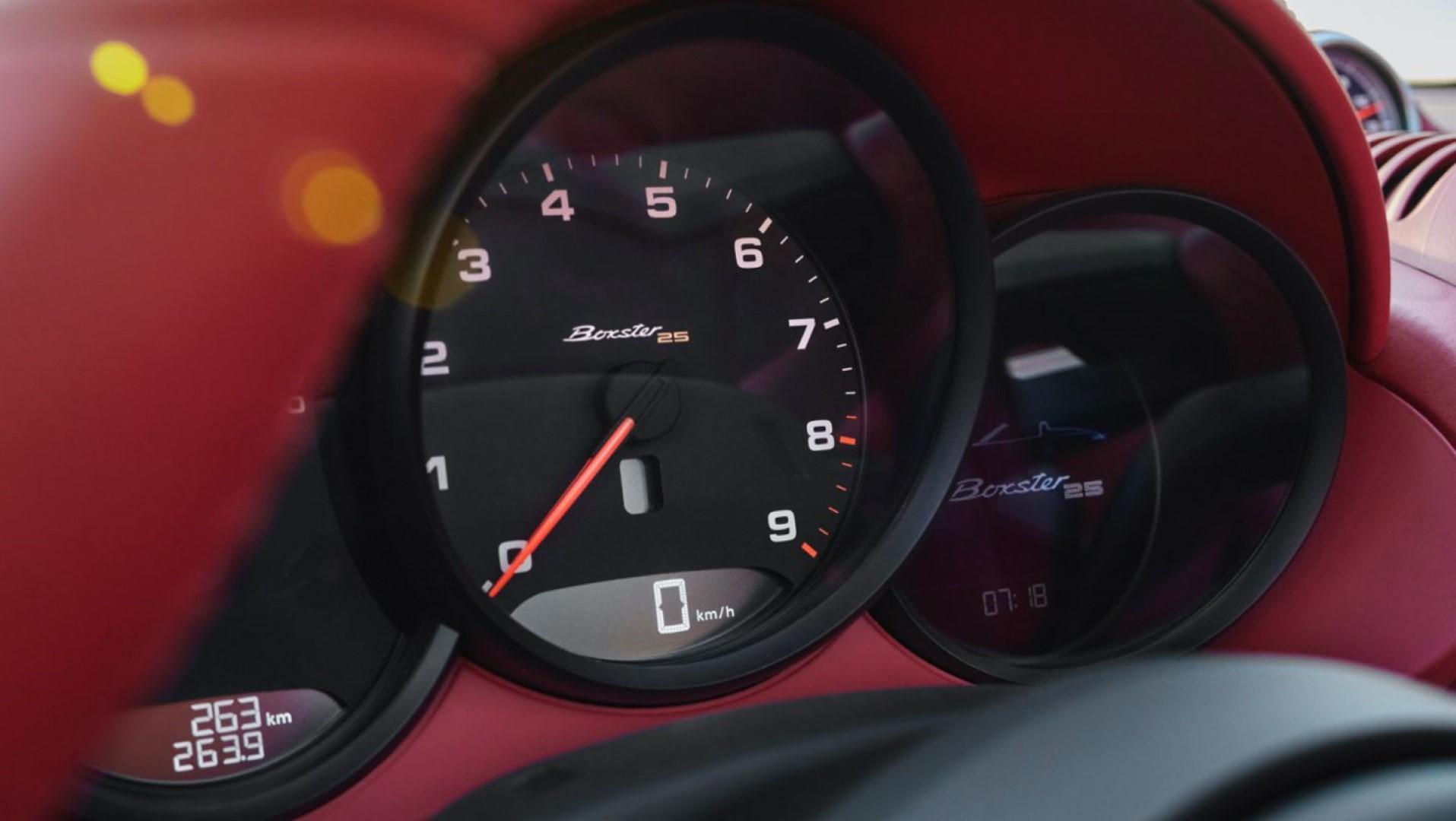 Porsche Boxster 25 sports chrono package