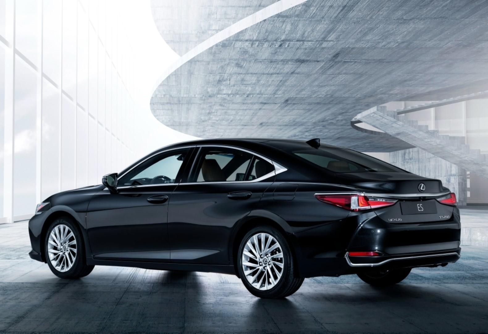 lexus es 250 limited edition rear
