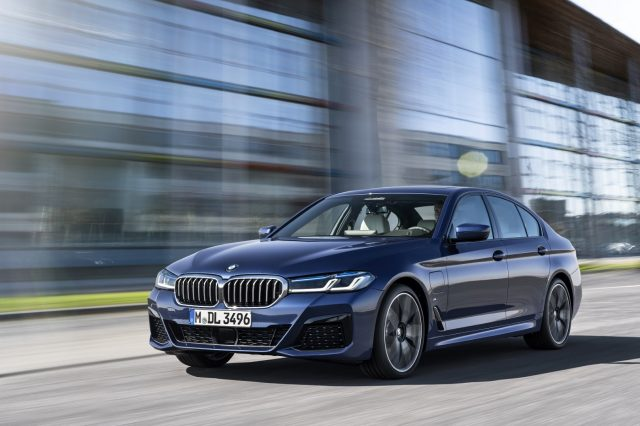 01. The New BMW 530e M Sport