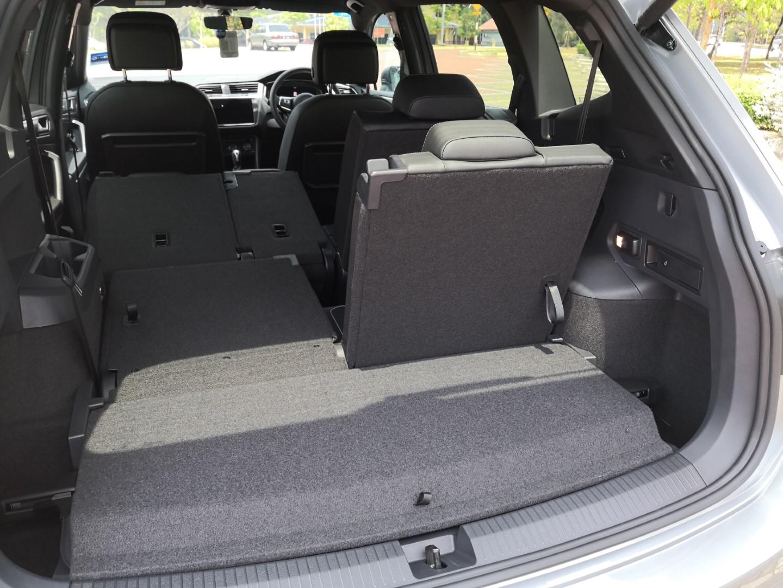 volkswagen tiguan allspace r-line boot space
