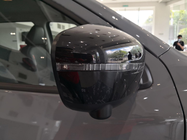 Nissan Navara Pro-4X safety