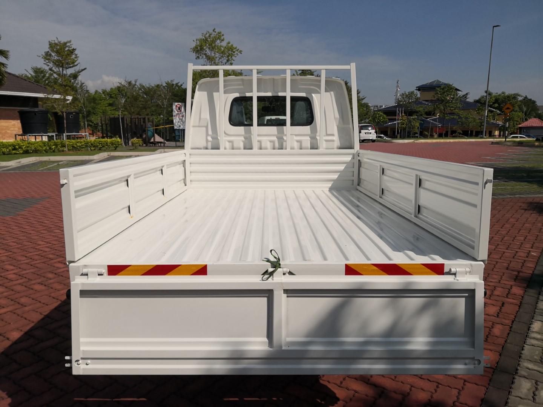 Daihatsu Gran Max Euro 4 loading
