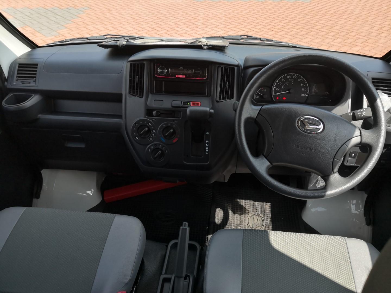 Daihatsu Gran Max Euro 4 interior