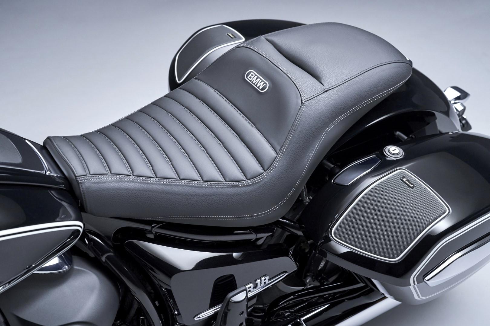 BMW R 18 B seat