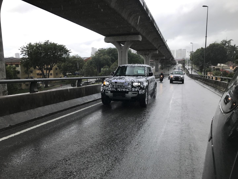 Land Rover Defender Spyshot