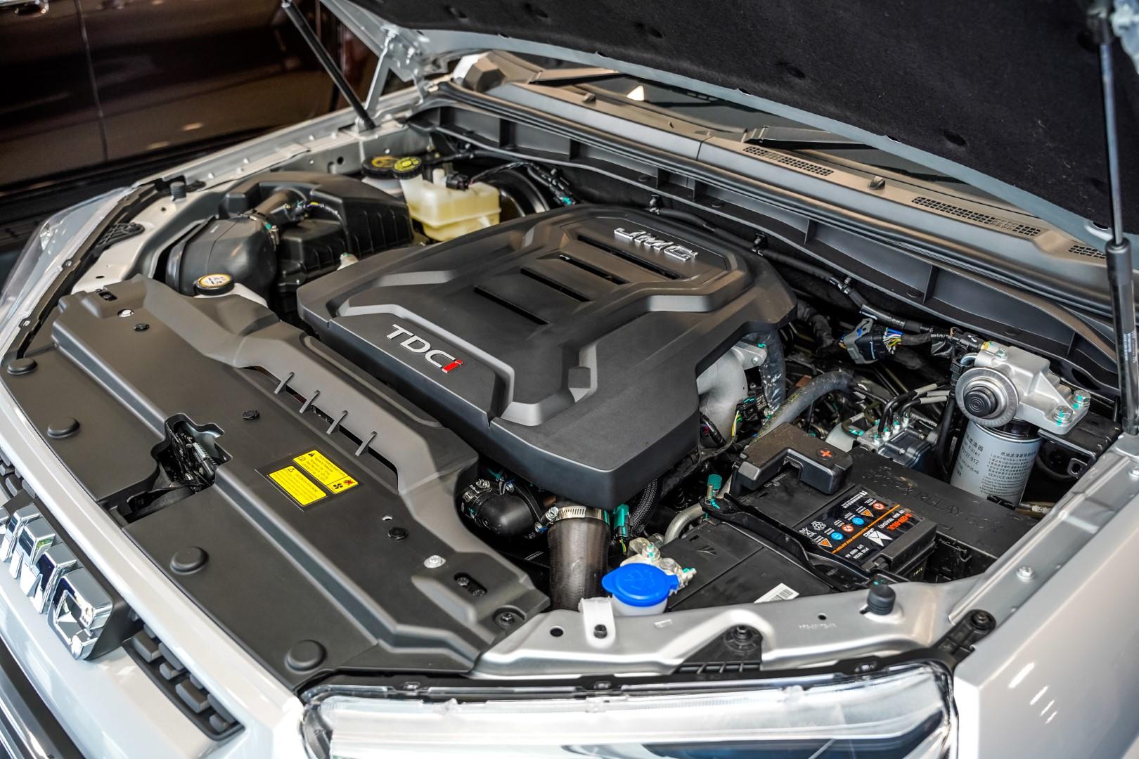 JMC Vigus Pro 4x4 engine