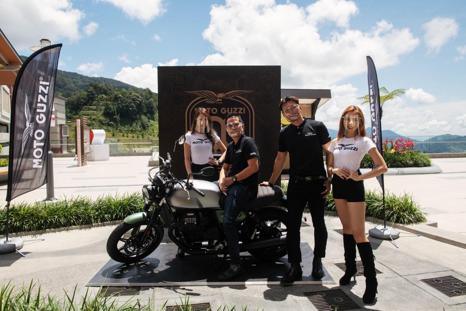Moto Guzzi V7 Stone Centenario