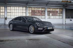 The New Porsche Panamera Turbo S E-Hybrid is a 700 PS Beast